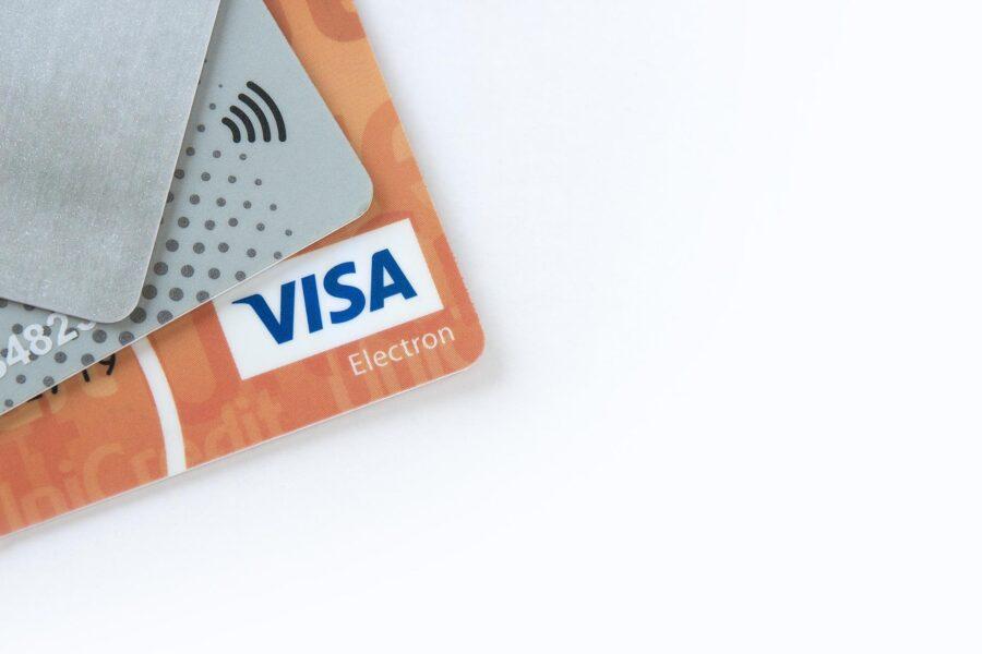 Как закрыть карту банка Закрытие дебетовых и кредитных карточек