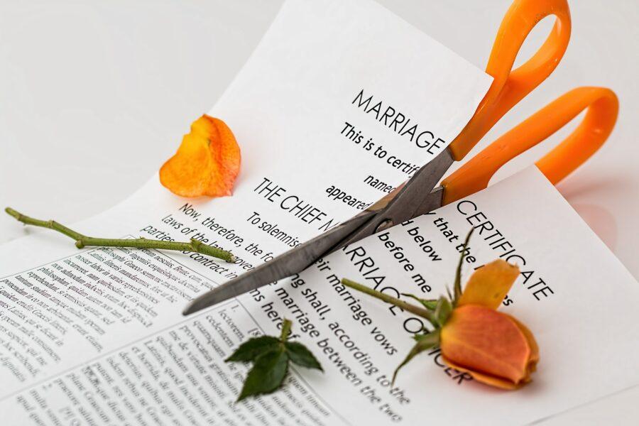 Зачем современные пары подписывают брачный договор