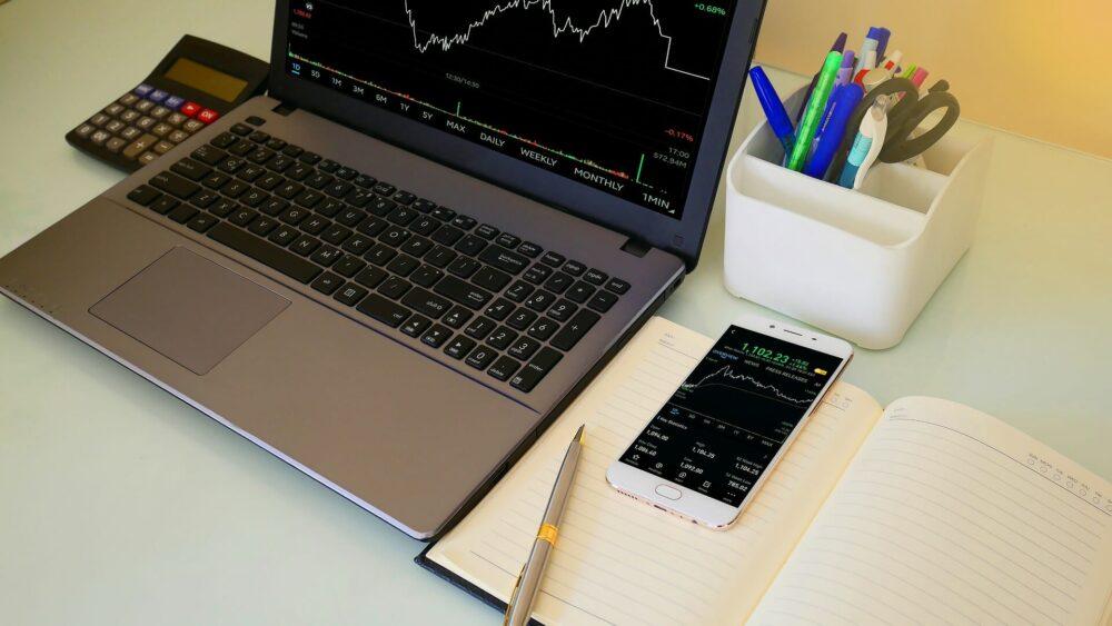 Брокеры для торговли на фондовой бирже